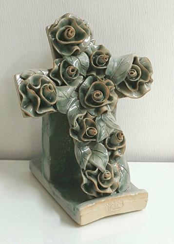 (탁상용) 장미 도자기 십자가 - 청자색