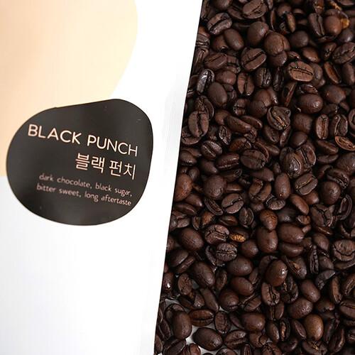 [브라운펀치 커피 원두] 묵직한 바디감의 스모키한 커피  블랙펀치 200g