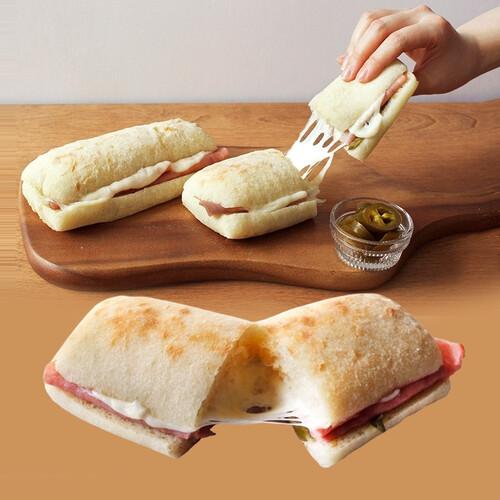 온맘푸드 성기훈 집사가 만든 킹즈 치아바타 핫 치킨 샌드위치 (154g x 4개입)